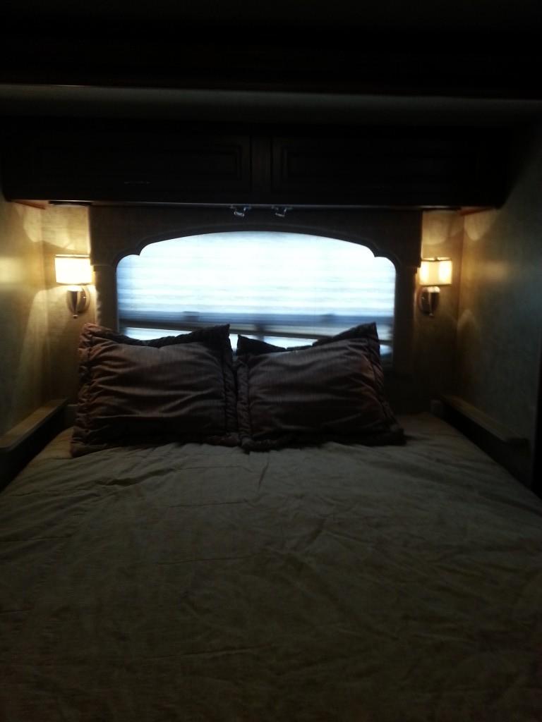 RV Rental Fleetwood Bounder Queen Bed