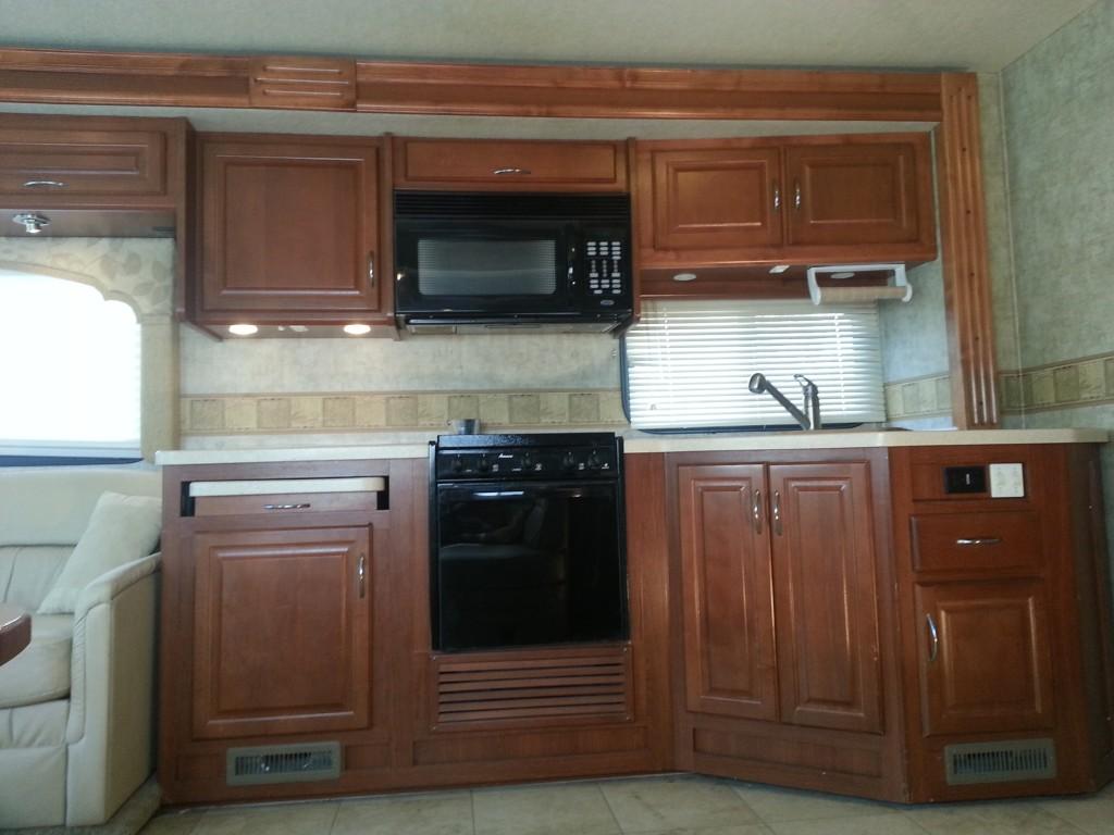 Tri County RV Rental Fleetwood Bounder Kitchen