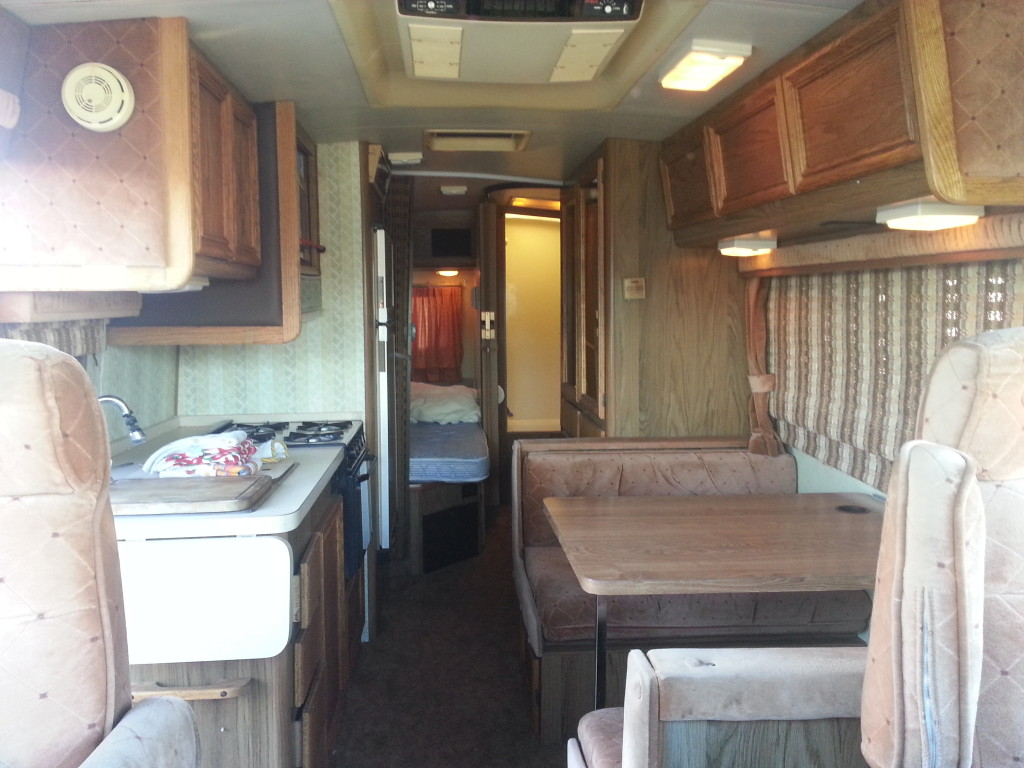 Used RV Sale 1985 Fleetwood Pace Arrow M-B Eleganza